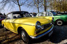 #Peugeot #404 #Cabriolet à la Bourse d'Ancenis. Reportage complet : http://newsdanciennes.com/2016/03/22/grand-format-a-bourse-dancenis/ #Voitures #Anciennes #Vintage #Car #ClassicCar