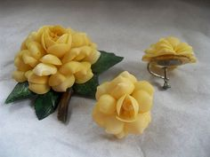Spring Yellow Shell Flower Pin and Earring Set