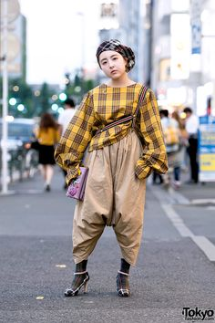 COOL design (although, i think the pants style would work better if it wasn't so high up on the waist) ... Juri, 18 years old, fashion student | 16 August 2017 | #Fashion #Harajuku (原宿) #Shibuya (渋谷) #Tokyo (東京)