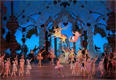 Google Image Result for http://graphics8.nytimes.com/images/2010/11/29/arts/NUTCRACKER/NUTCRACKER-popup.jpg