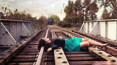 Alone sad girls wallpapers images photos hd