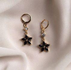 Ear Jewelry, Cute Jewelry, Jewelery, Jewelry Accessories, Jewelry Necklaces, Bridal Jewelry, Vintage Jewelry, Mens Gold Jewelry, Women Jewelry