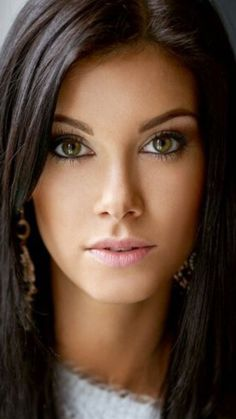 Head shot brown eyed girl with dark brown hair and pink lips. Earrings, white collar. #pinklipsbrunette