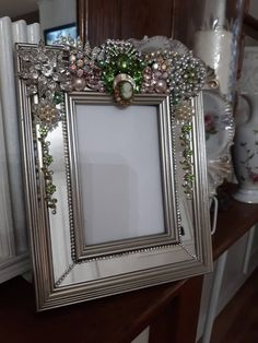Items similar to Vintage Jewelry Picture Frame, Rhinestones, Jewelry, Shabby Chic on Etsy Costume Jewelry Crafts, Vintage Jewelry Crafts, Old Jewelry, Art Deco Jewelry, Antique Jewelry, Jewelry Supplies, Jewlery, Antique Picture Frames, Picture Frame Decor