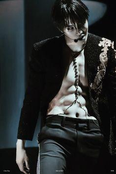 "HOLY SHIT KAI *DIES* << I often picture showing these pics to non-kpoppers and trying to tell them, ""He's actually a very sweet, kind person. Sehun, Kokobop Exo, Exo Kai Abs, Kim Kai, Rapper, Mnet Asian Music Awards, Idole, Kim Min Seok, Kaisoo"
