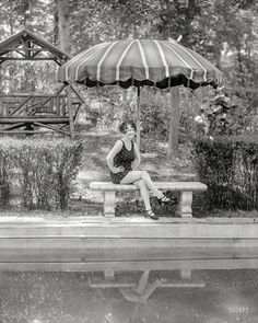 Shorpy Historic Picture Archive :: Swimsuit Audition: 1930 high-resolution photo