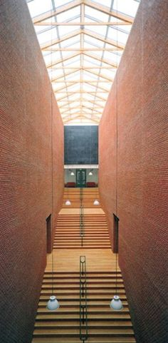 Bonnefanten Museum, Maastricht, The Netherlands Post Modern Architecture, Brick Architecture, Chinese Architecture, Architectural Thesis, Aldo Rossi, Beautiful Buildings, Stairs, Prison, Street Wear