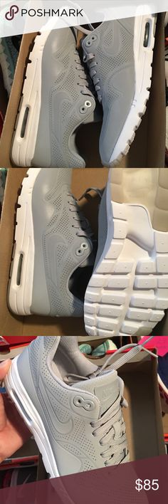 Nike air max Brand new Nike Shoes Athletic Shoes