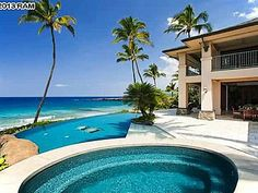 Browse distinctive Hawaii real estate, property and homes for Sale. Distinctive Hawaii homes by Christie's International Real Estate. Real Estate Sales, Luxury Real Estate, Beachfront Homes For Sale, Beach Mansion, Beach House, Hawaii Homes, Million Dollar Homes, Luxury Garage, Luxury Pools