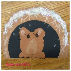 Winter is the BEST season for cute bulletin boards! I finally got my Hibernating Bear Craft up in my TpT Store! I made this last year wit. Bear Crafts Preschool, Preschool Activities, Preschool Seasons, Preschool Winter, Winter Thema, Art For Kids, Crafts For Kids, Classroom Crafts, Kindergarten Art