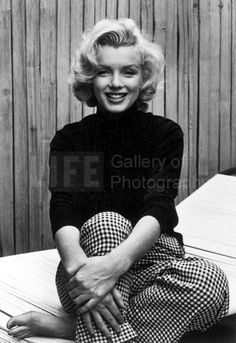 Marilyn Monroe (a. Norma Jeane Baker) was born exactly 85 years ago today. If you're not already aware that Marilyn Monroe was and still is the quintessential American sex symbol, then this galler Madonna, Marilyn Monroe Fotos, Pin Up, I Love Cinema, Intimate Photos, Cecil Beaton, Eddie Redmayne, Michelle Williams, Norma Jeane
