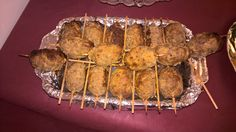Biftèki-Spieße Tzatziki, Greek Recipes, Pork, Snacks, Meat, Coleslaw, Oven, Crickets, Food Portions