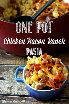 After baby meals .One Pot Chicken Bacon Ranch Pasta Looking to save time and money? Whip up this One Pot Chicken Bacon Ranch Pasta and you will have a dinner table full of smiles! Chicken Bacon Ranch Pasta, One Pot Chicken, Bacon Pasta, Chicken Club, Rice Pasta, Bacon Bacon, Turkey Bacon, Grilled Chicken, Think Food