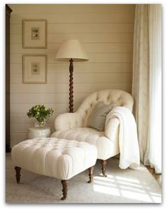 would love this little sitting area in my bedroom!
