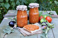 zacusca de vinete pentru iarna Hungarian Food, Hungarian Recipes, Mai, Sauces, Dips, Candle Holders, Good Food, Tasty, Candles