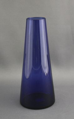 Lasimaljakko, Saara Hopea. Finish Cobalt Blue Handblown Glass