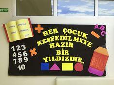 Back To School Bulletin Boards, Bulletin Board Display, Classroom Bulletin Boards, Preschool Classroom, Classroom Themes, Soft Board Decoration, Class Decoration, Teaching Aids, Teachers' Day