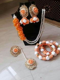 New For Paper Flowers Jewellery Flower Jewellery For Mehndi, Flower Jewelry, Diy Jewellery, Bridal Jewellery, Jewelry Design, Gota Patti Jewellery, Silk Thread Bangles, Flower Ornaments, Diy Jewelry Inspiration