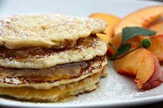 Kokosovo-vločkové lívanečky bez mouky (od 1 roku) Dairy Free Recipes, Raw Food Recipes, Sweet Recipes, Gluten Free, Muesli, Free Food, Pancakes, Food And Drink, Yummy Food