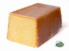 je vous confirme c'est une tuerie http://www.lacuisinedebernard.com/2013/10/le-cake-ultime-au-citron.html