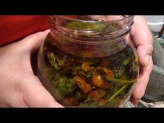 Θεραπευτικό λάδι για πόνο στις αρθρώσεις - YouTube Pickles, Cucumber, Essential Oils, Food, Essen, Pickle, Yemek, Zucchini, Pickling