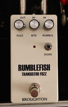 JHS Pedals EHX Triangle Muff Illuminati Mod Fuzzz Guitar Effect Stompbox Pedal