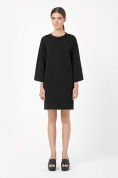 COS | Wide-sleeve knit dress