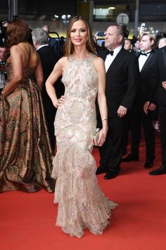 Pin for Later: Seht all' die traumhaften Roben beim Filmfest in Cannes Tag 6: Georgina Chapman in Marchesa
