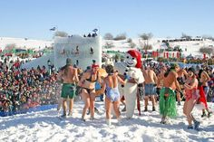 Snow bath... Would you dare try? | Quebec's Winter Carnival - Carnaval de Québec