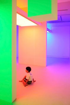 "Cruz Diez, Chromosaturation at the ""Environment Chromatic-Interferences. Interactive Space by Carlos Cruz-Diez"", 2010 Interactive Installation, Interactive Art, Installation Art, Art Installations, Exposition Interactive, 2 Logo, Neon Aesthetic, Light And Space, Grid Design"