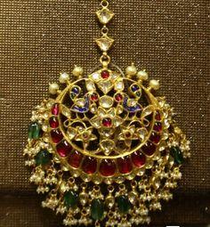 Gold Jewelry In Pakistan Tika Jewelry, Indian Jewelry Earrings, Head Jewelry, Indian Wedding Jewelry, Antique Earrings, Bridal Jewellery, Rajputi Jewellery, Mens Silver Necklace, Silver Ring