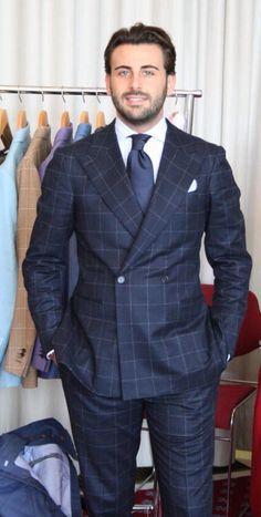 Neapolitan sartorial suitmaker, Gennaro Annunziata of Chiaia. Sharp Dressed Man, Well Dressed Men, Costumes Bleus, Blue Suit Men, Blue Suits, High Fashion, Mens Fashion, Fashion Suits, Evolution T Shirt