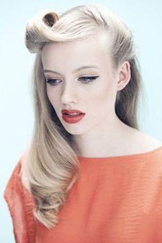 10 вариантов причесок, когда нет времени вымыть голову - Уход за волосами - ИЛЬ ДЕ БОТЭ - магазины парфюмерии и косметики
