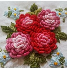 Wonderful Ribbon Embroidery Flowers by Hand Ideas. Enchanting Ribbon Embroidery Flowers by Hand Ideas. Brazilian Embroidery Stitches, Learn Embroidery, Hand Embroidery Stitches, Silk Ribbon Embroidery, Hand Embroidery Designs, Embroidery Techniques, Floral Embroidery, Cross Stitch Embroidery, Brother Embroidery