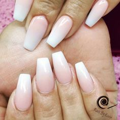 This mani is weekend-ready with LeChat Nails Perfect Match Mood Gel Polish!  Tag your manicures with #LeChatNails so we can see your gorgeous creations!