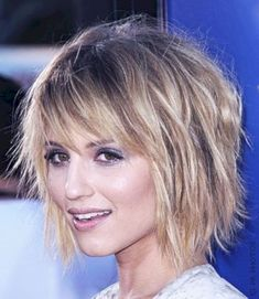Fine hair can be managed to look perfectly great if chosen right hairstyles. Here best are Medium Length Hairstyles for fine hair to try on. Medium Length Hair With Layers, Medium Layered Hair, Medium Hair Cuts, Short Hair Cuts, Medium Hair Styles, Short Hair Styles, Choppy Layered Haircuts, Thin Hair Haircuts, Pixie Haircuts