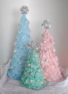 shabby chic christmas tree skirts | Shabby Chic Ruffled Christmas Tree | Christmas