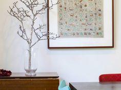 13 Decoration and Design Ideas for a Green Living room Decor, Room, Living Room Green, Home Art, Contemporary, Home Decor, Glass Vase, Interior Design, Living Room Designs