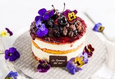 NEW CAKE 2017 - Caterina ai frutti: delicate semifreddo decorated with edible flowers by Gelateria La Romana.