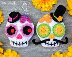 Crochet Leaf Patterns, Crochet Unicorn Pattern, Crochet Skull, Crochet Leaves, Crochet Wreath, Crochet Ornaments, Crochet Hook Sizes, Crochet Hooks, Skull Pictures