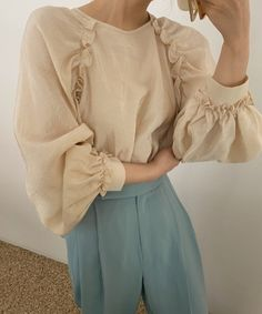 Casual Hijab Outfit, Cute Casual Outfits, Fashion Outfits, Womens Fashion, Fashion Trends, Simple Dresses, Fashion Details, Nice Tops, Vintage Outfits