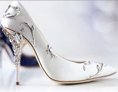 Luv the sleek modernity of this Silver Etched Satin Pump...Lush! - Ralph and Russo