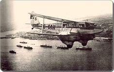 """Devlet Hava Yollarına ait bir """"Dragon Rapid"""" uçağı Boğaziçi üzerind - 1936"""