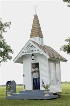 This pint-sized place of worship: | 17 Of The Teeny-Tiniest Things In The World