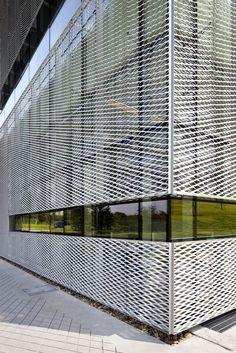 Galería de Castillo de Skywalkers / Doojin Hwang Architects - 3