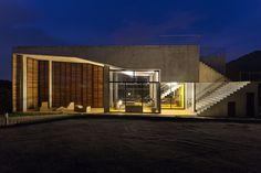 Gallery of Cerrado House / Vazio S/A - 17