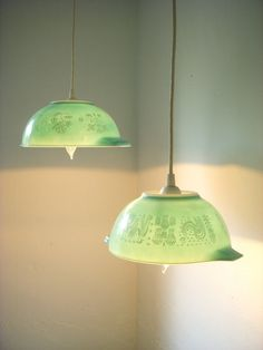 Vintage pyrex mixing bowls, made into pendant lights. Nice!
