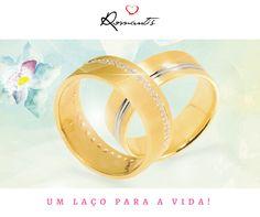 Alianças Romantis, um laço para a vida! // Alianzas Romantis, un vínculo para la vida! #romantis #romantisjewelry #jewelry #casamento #wedding #aliançadecasamento #aliançasromantis #aliançasemouro #noivos #craftedlove #romantis #romantisjewelry #jewelry #boda #alianzadematrimonio #alianzasromantis #anillos #sortijasdepedida #pedida #tecasas #alianzasenoro #novios ALR3294 / ALR4298