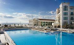 ¿Quieres saber cuáles son los hoteles de playa de España mejor valorados por los huéspedes de 2016? Descubre el mejor hotel de playa de cada comunidad.