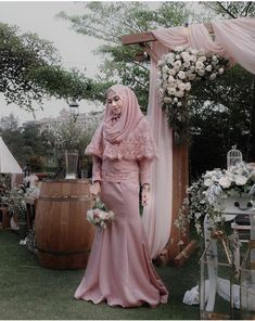 @nisacookie Hijab Gown, Kebaya Hijab, Hijab Dress Party, Hijab Style Dress, Kebaya Dress, Kebaya Muslim, Muslim Dress, Muslim Hijab, Muslimah Wedding Dress